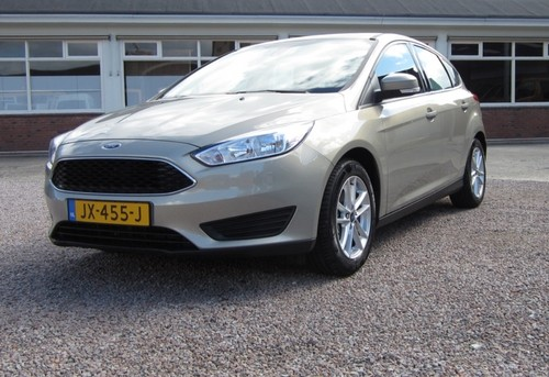 Ford Focus champagne